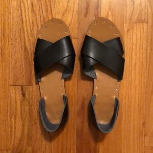 Universal Thread Black Flat Sandals size 9.5
